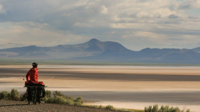 bicycle touring in Eastern Oregon Steens Mountain Alvord Desert