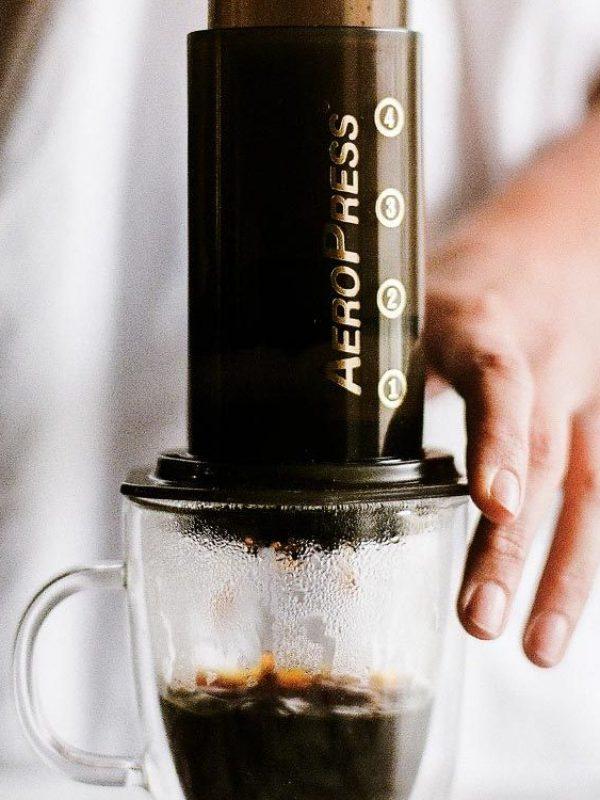 aeropress-closeop coffee making